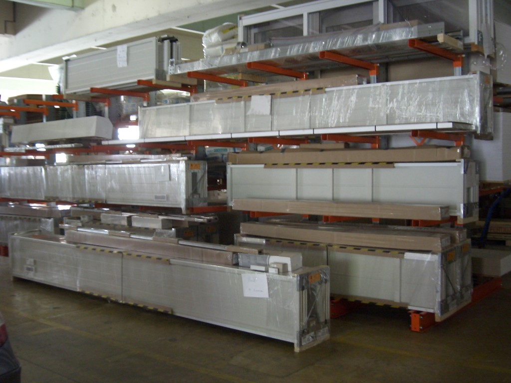 Cantilever racking for storing cassettes