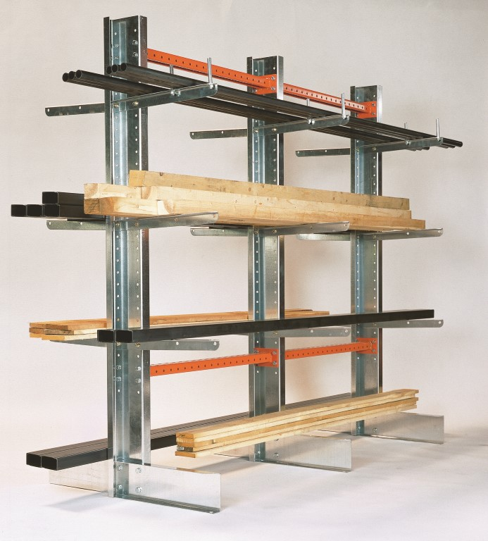 Light-duty cantilever racking for storing wood and pipes
