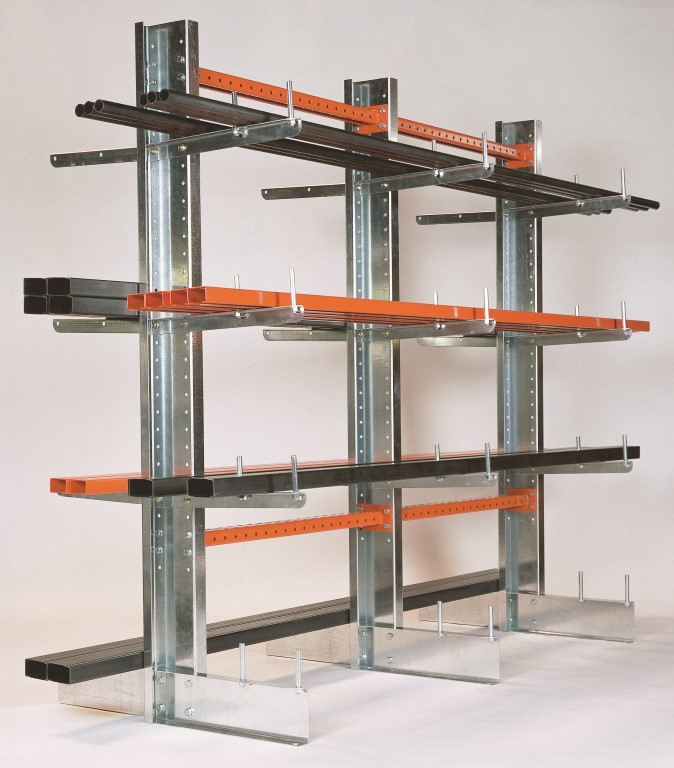 End stop screwed on base for cantilever racking type SC