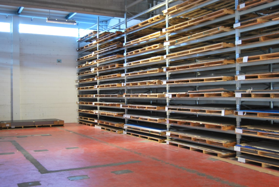 Pallet racking for wood processing