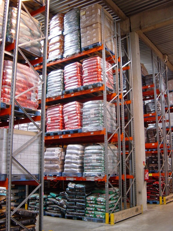 Pallet racking for the animal feed industry indoors