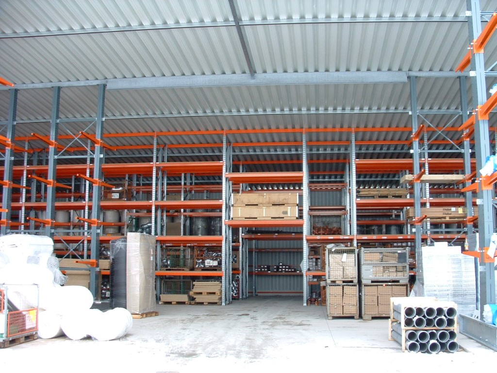 Pallet racking for unheated halls