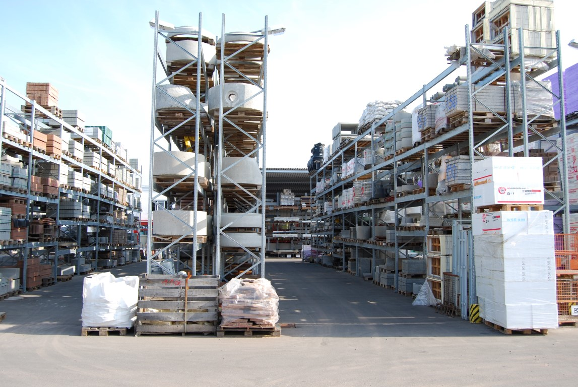 Hot-dip galvanised pallet racking for the building materials trade
