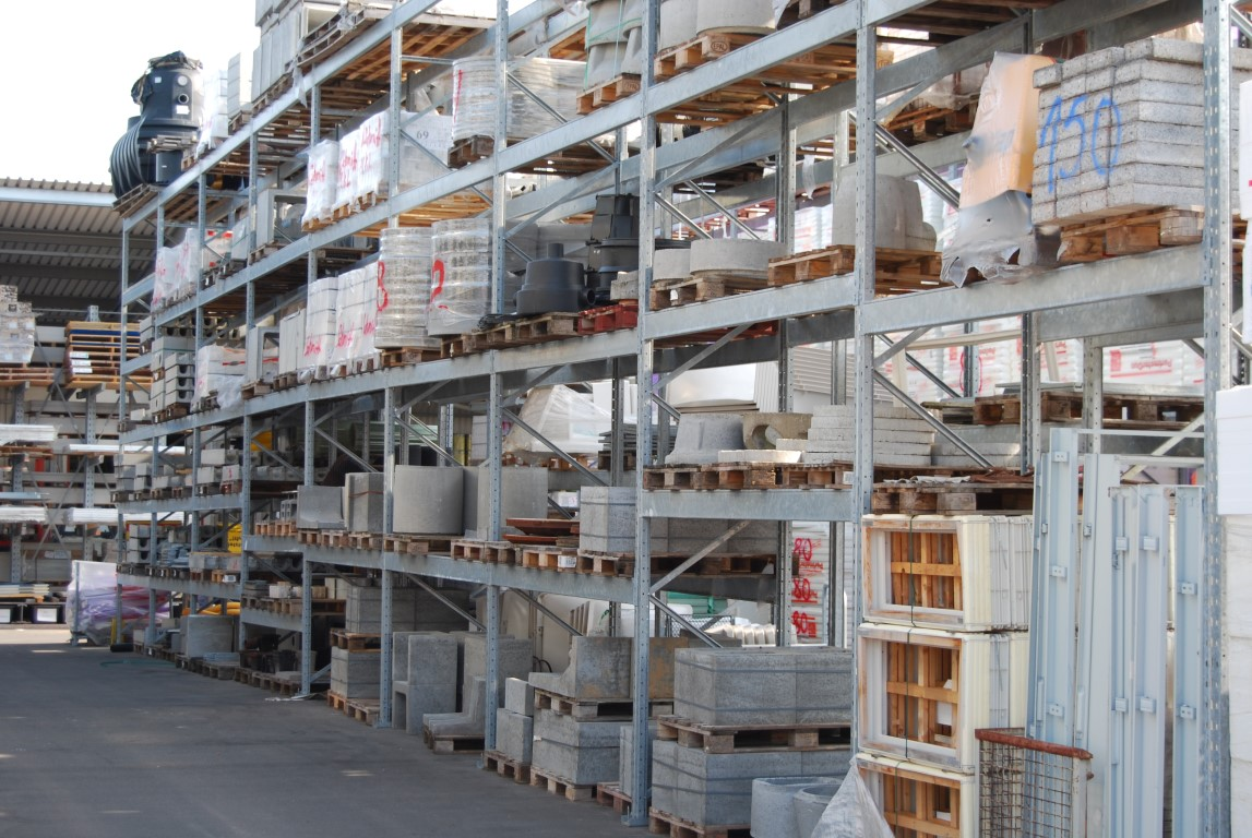 Galvanised pallet racking for wholesalers
