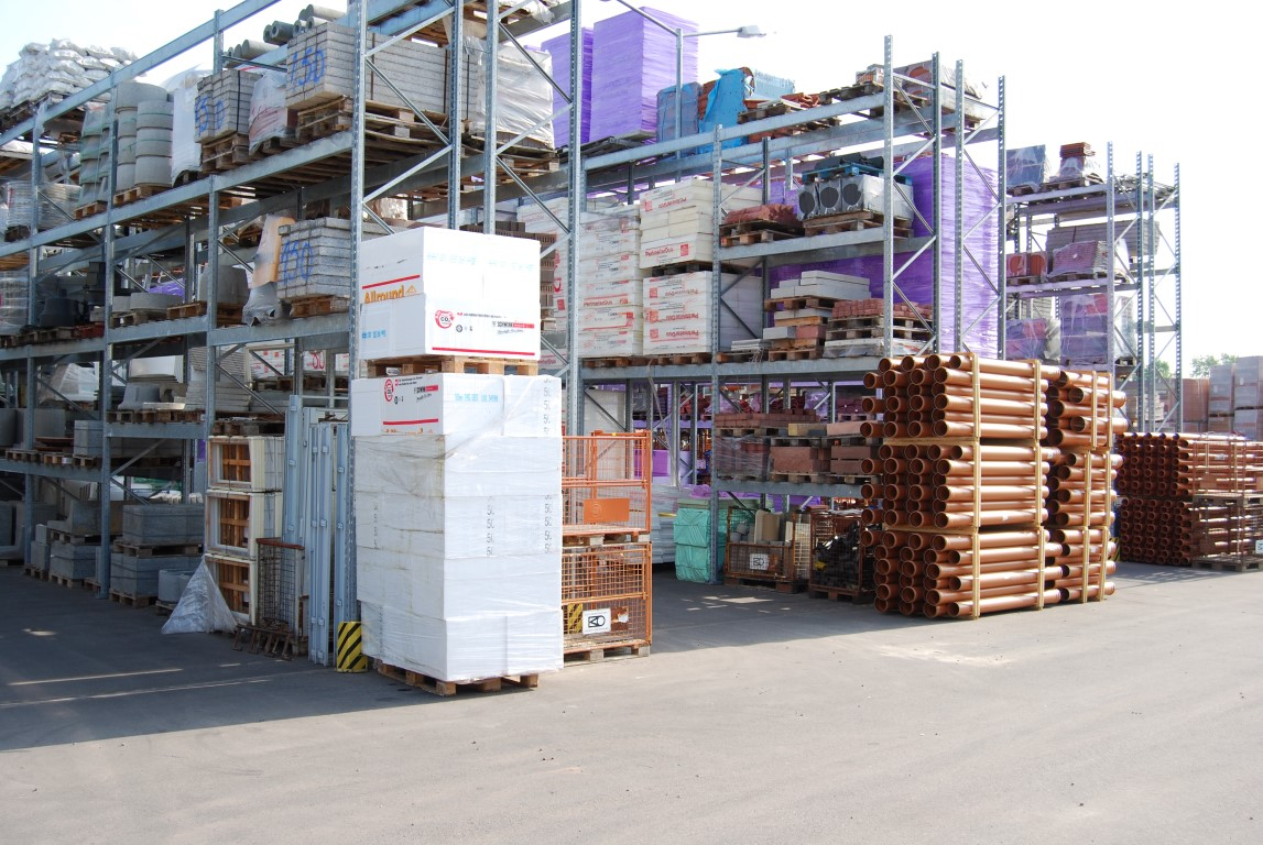 Galvanised pallet racking for DIY stores