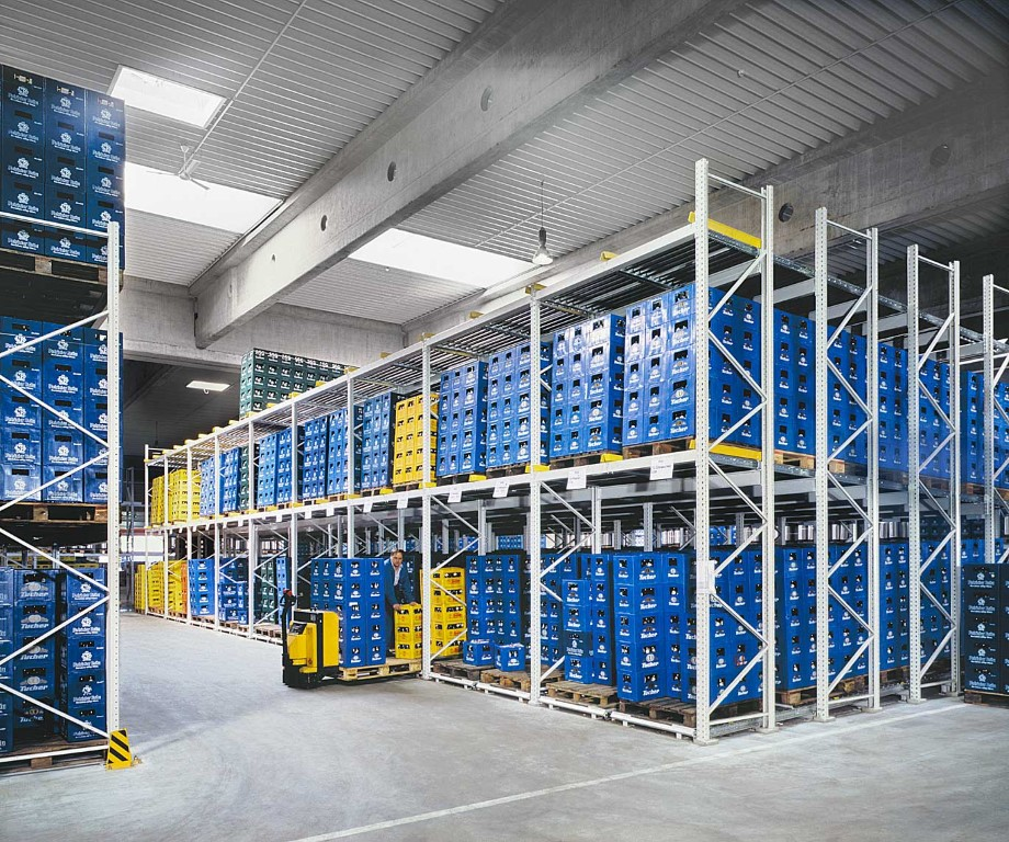 Pallet racking for the beverage industry