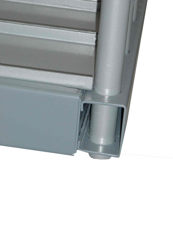 Sheet plate rack with detailed view of inserted divider