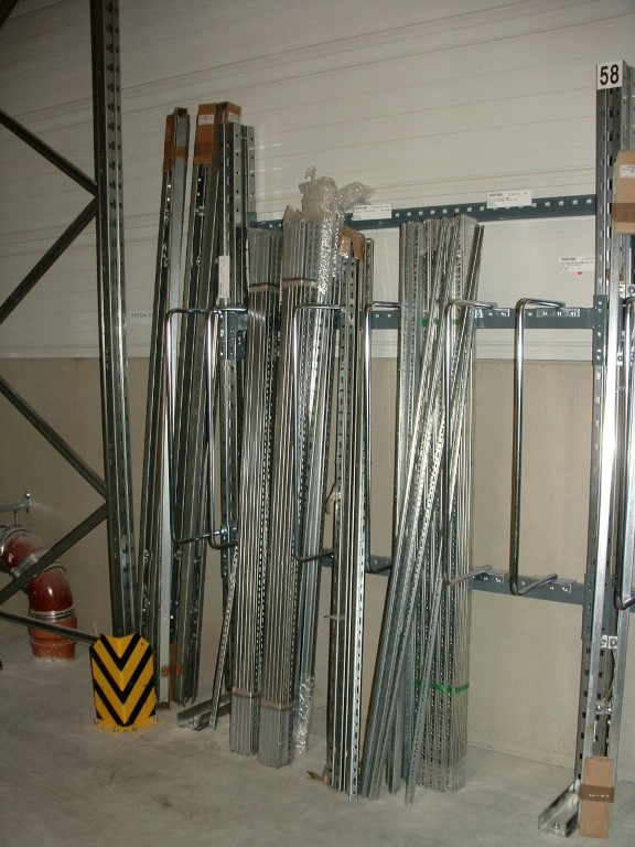 Bar rack for the plumbing wholesale trade