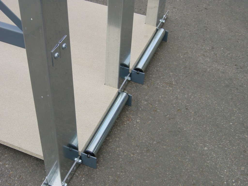 Vertical board rack with detailed view of the metal roller