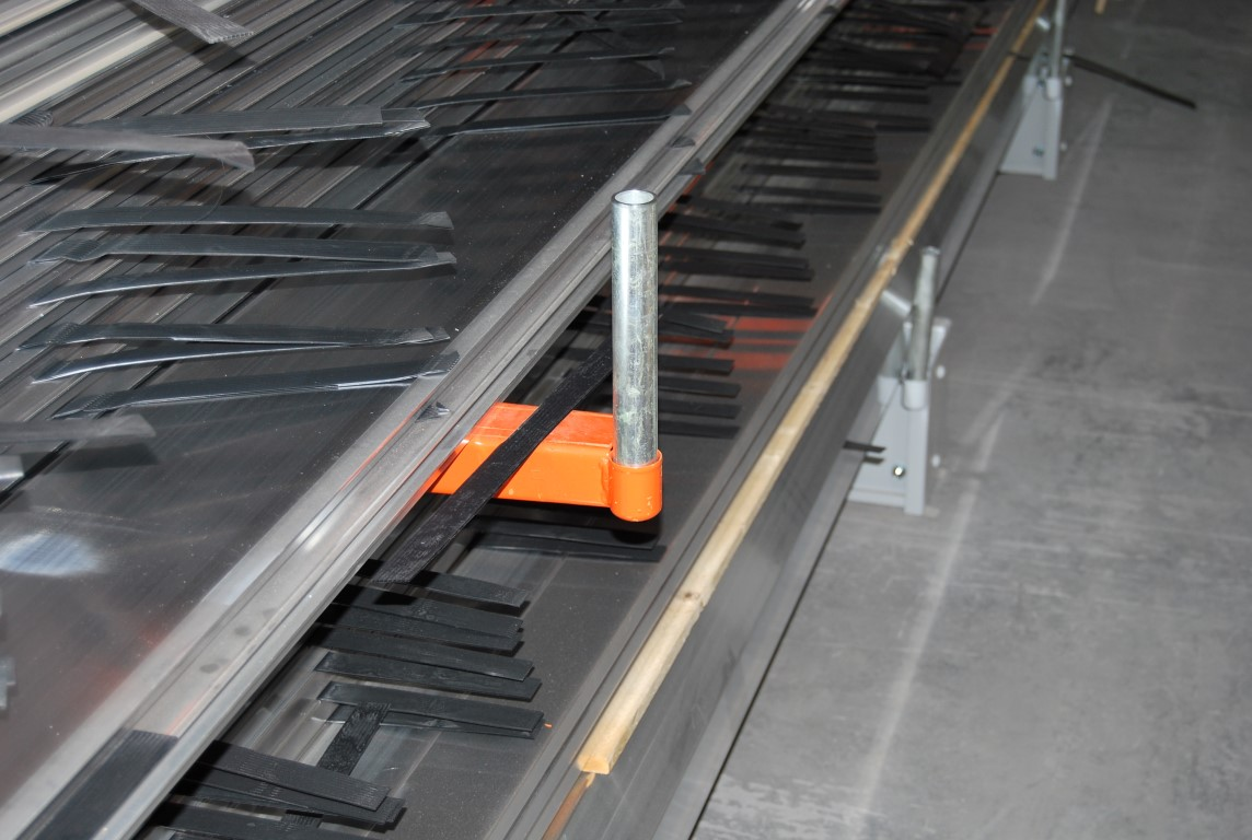 Accessories for cantilever racking, here with welded tube sleeve